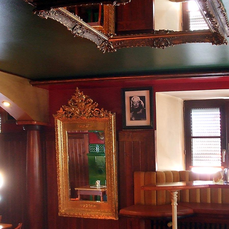 Extravagante Decken  U0026 Wandgestaltung Mit Spiegeln